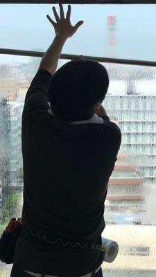 窓ガラスフィルム施工